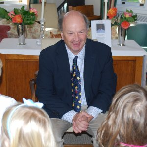 Gregg teaching at Pre-K/K Service