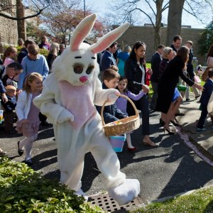 04 Easter egg hunt 2012 03